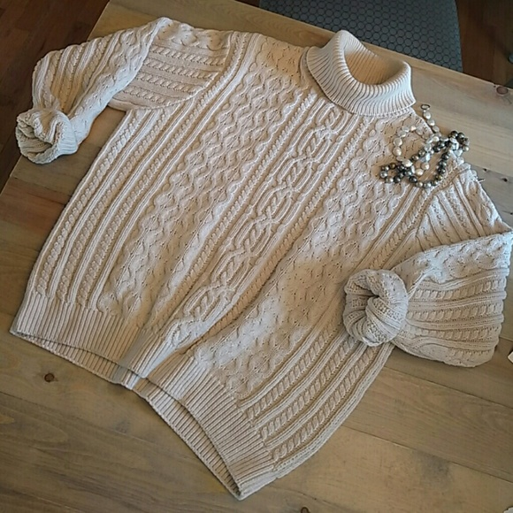 2717ff0c458 100% cotton cable knit fisherman s sweater. M 5a37f90ff9e501233904e4e1